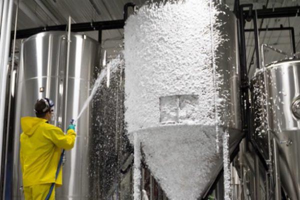 Detergentes para limpieza manual o por espuma